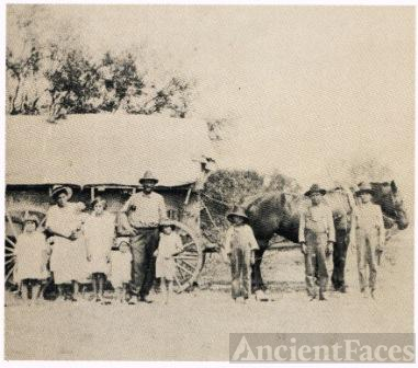 Albert Benton Family on a Covered Wagon Journey to the Rio Grande Valley