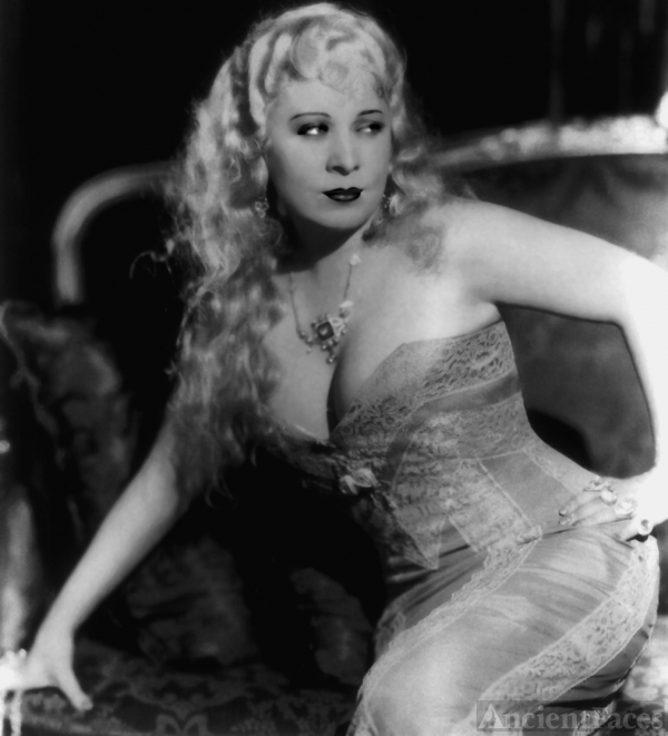 Mae West | Blonde Bombshell