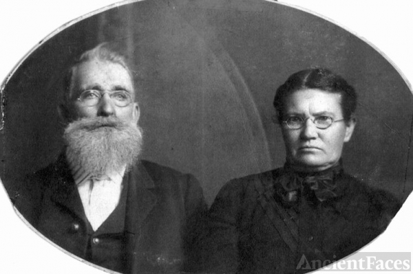James Henry & Mary Jane [Hodges] Wallace