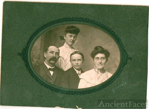 Wallace M Barnes family