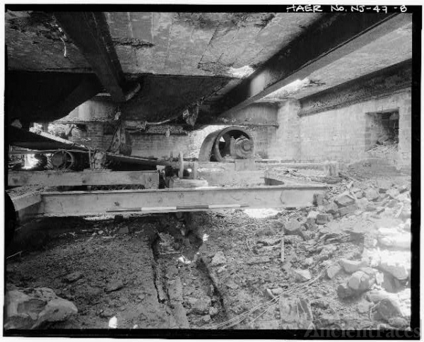 8. VIEW LOOKING SOUTHEAST, CONVEYOR END IN SUBDECK,...