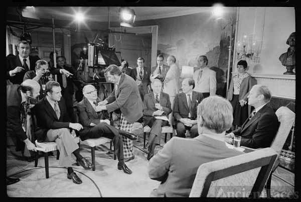 [President Gerald Ford and foreign correspondents...