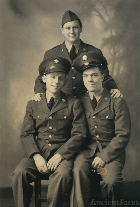 Herman Leffew & 2 unknown soldiers