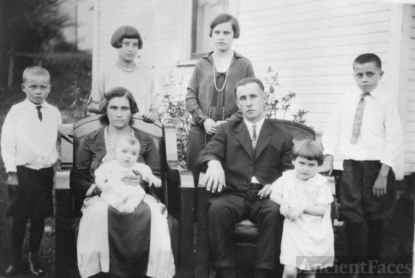 George and Emma Holberg Shook Family