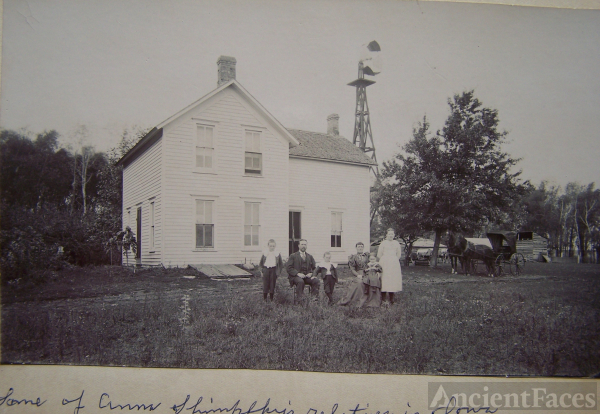 Farm house and Family, Iowa