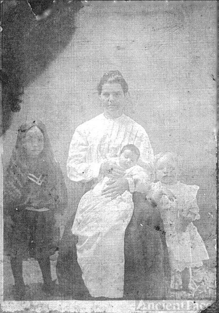Alice East Jackson, children, Bertie, Joe & Virgie