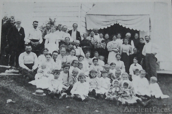Family of Captain Isaac Buzzard, PA 1887