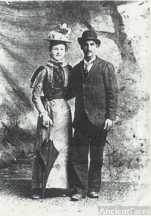 George 'Frenchy' & Cora Courtois, 1900 IL