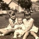 Palmer, Carol Elizabeth ( with Aunts)