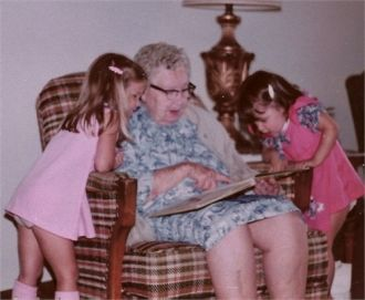 Great Great Grandma Larned w'granddaughters