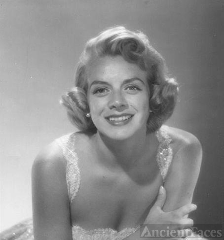 Rosemary Clooney - singer and actress