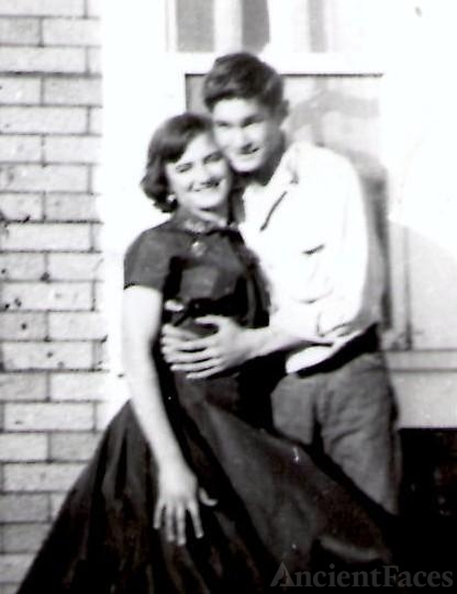 Billy Gene Holloway & Evelyn Lavern Reynolds
