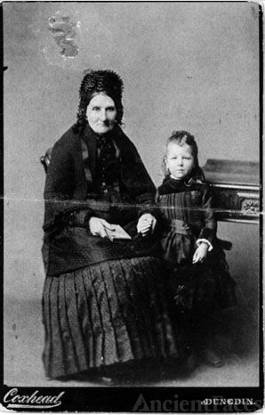 Jenifer Hocking & Elizabeth Grenfell, 1888