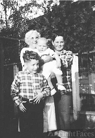 Mattie Holmes & Grandsons in 1949