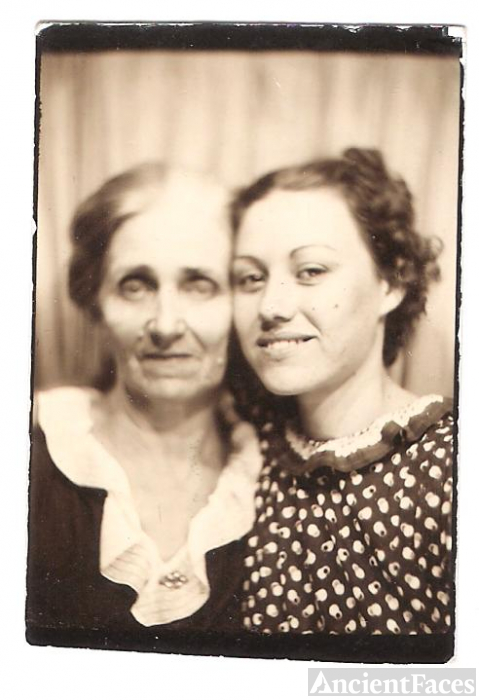 Anna May and Mildred Virginia