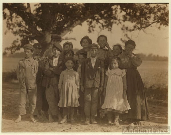 A group of berry pickers from Philadelphia on Giles Farm,...