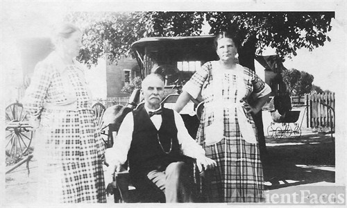 James Monroe Kirkpatrick, Wife Eliabeth Caulfeild and dau. Lucy.