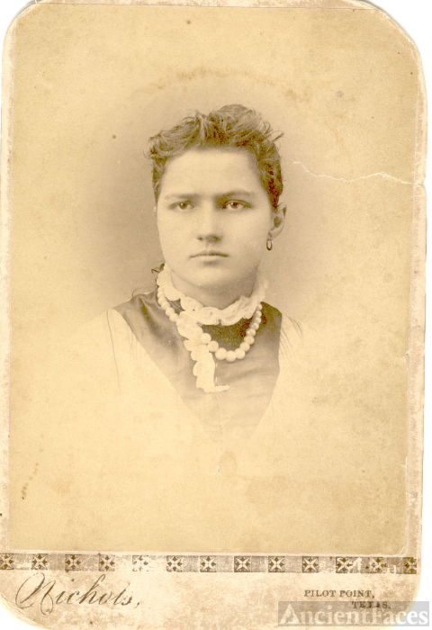 young Curnutt woman