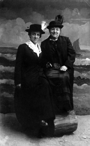 Martha Schrader and Clara Petermann