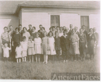 The 1922 Family Reunion with Hugh and Rosa (Viviahn) Sheeks, Their Children, Their Children's Spouses,  And Their Grandchildren