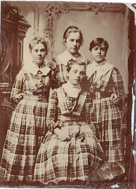 Four unknown girls, CA