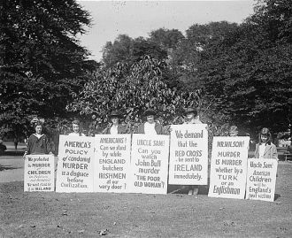 Irish pickets at White House