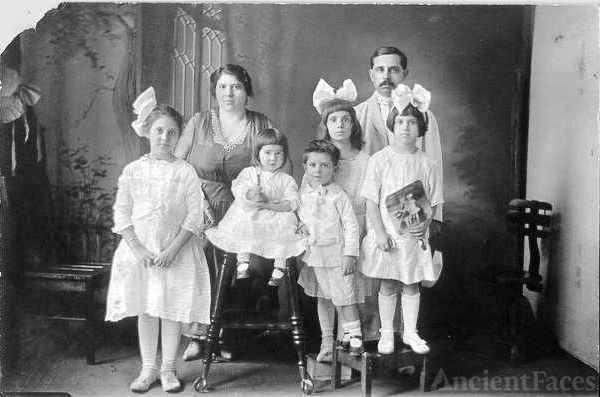 The Rosato Family 1917
