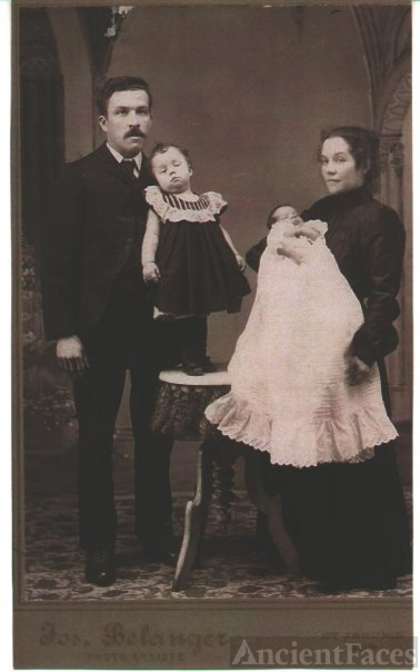 Joseph and Azilda (Meunier) Campeau with my grandmother Antoinette at 3 years old and her brother Charles Ludger Campeau. 1903