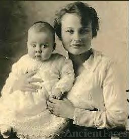 Gladys Packingham McKee with Son William 1919