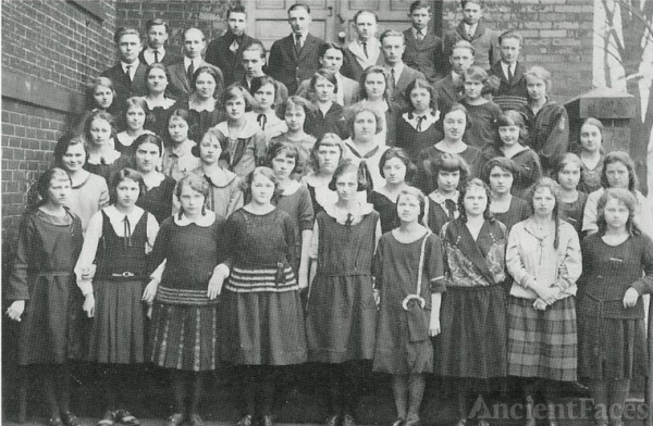 Junior Class of 1923 Wellston