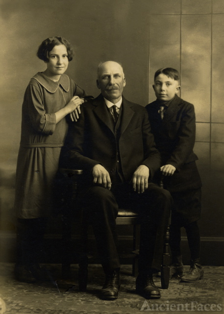 Charles H Gates and Children