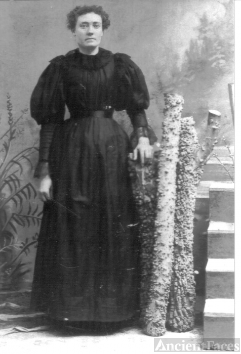 Dora Richardson Weddle