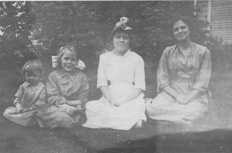 Eichler Daughters Ohio c1911