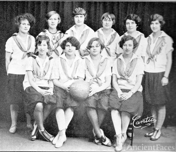 Beth Madsen and 1926 Women's Basketball Team