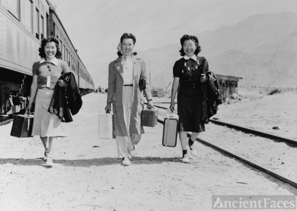 Manzanar transportation