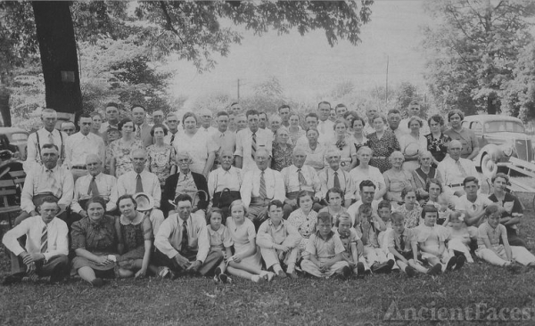 Huckleberry Family Reunion - 1937