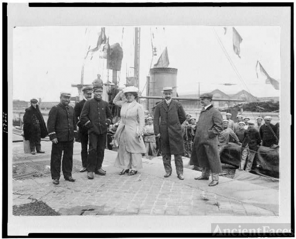 [Louis Blériot with his wife on return to Calais,...