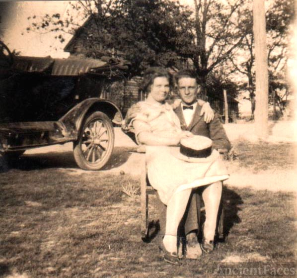 OLE SHEP AND YOUNGER SISTER PEG,SHEPPARD,HUFFMAN