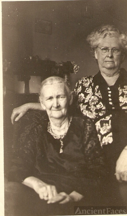 Mary Lou Hammons & Sadie Brown, Missouri