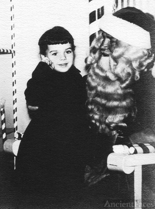Mary Louise Yarnall & Santa, 1951 Pennsylvania