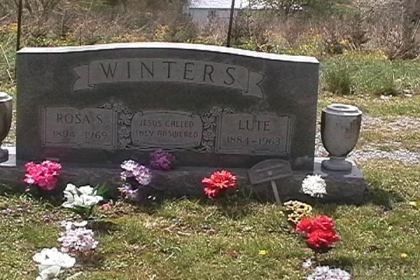 Rosa S. Winters and Lute Winters gravesite