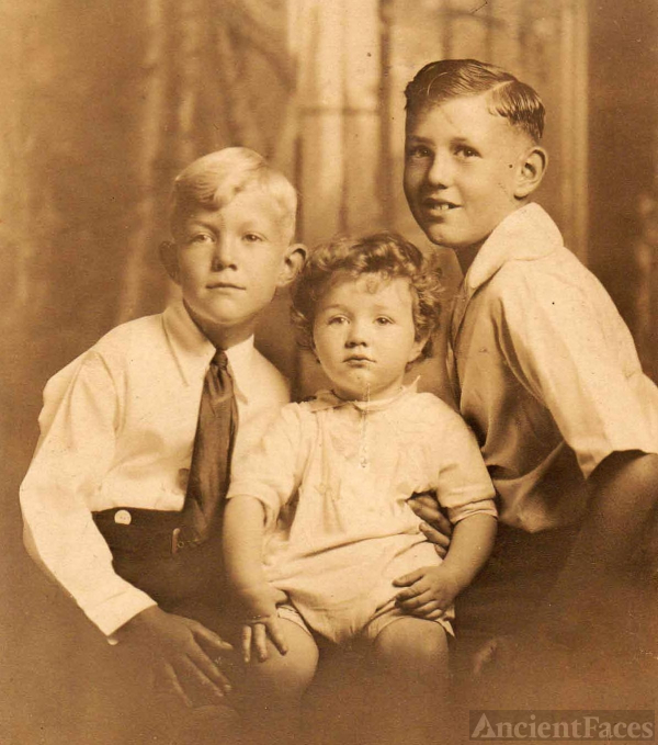 Roy, Robert & Earle Barney Smith; Clovis, CA