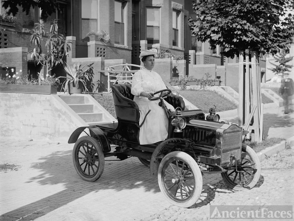 Vintage Car Mrs Guy Henry