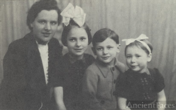 Biglaizer children 1942