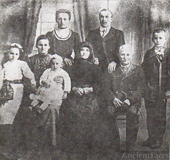 Rosa (Galgoczi) Fejes' Family from Hungary