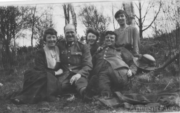 Norah (unknown) & friends c 1918