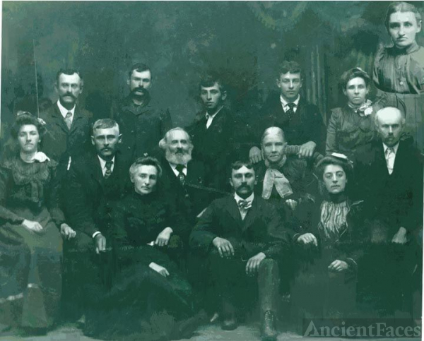 Martha & Omri Emery's Family, 1902