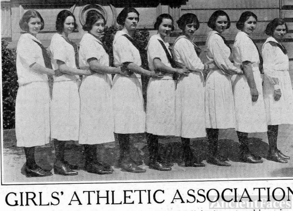 Girls Athletic Assoc., Oakland CA 1922