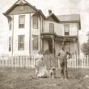 Obediah & Arra Bell Horner at their home