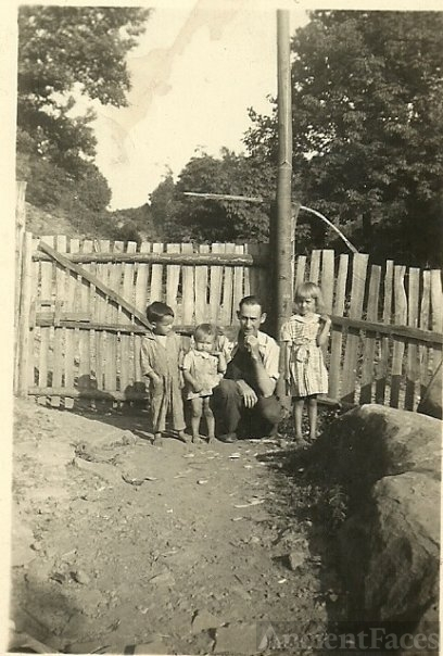 Raymond Murr Family, Kentucky 1940's